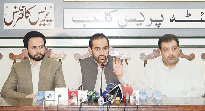 Balochistan Chief Minister Mir Abdul Quddus Bizenjo addresses a press conference at Quetta Press Club.—INP