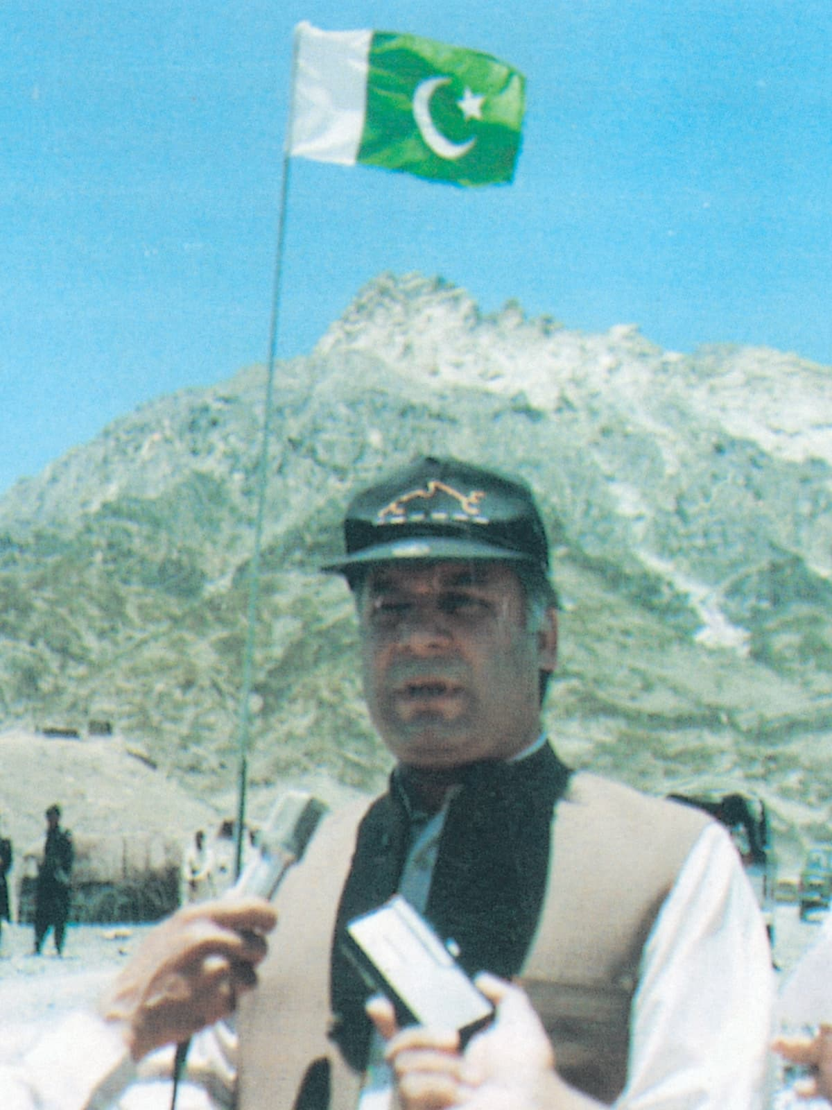 Prime Minister Mohammad Nawaz Sharif at the site of Pakistan's nuclear test | White Star