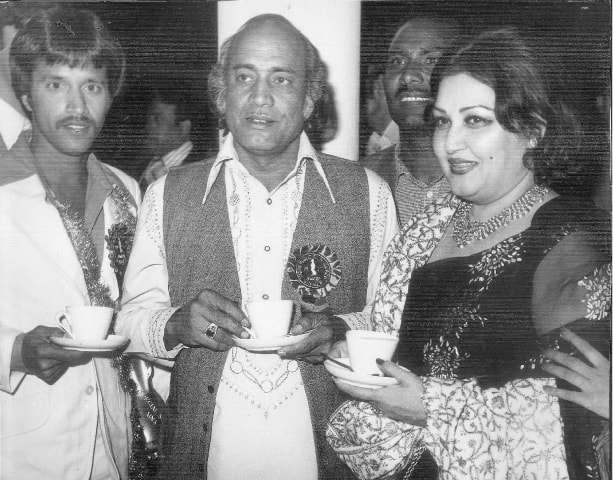 Alamgir, Mehdi Hasan and Madam Noor Jehan at a Nigar Awards function | Photos by the writer