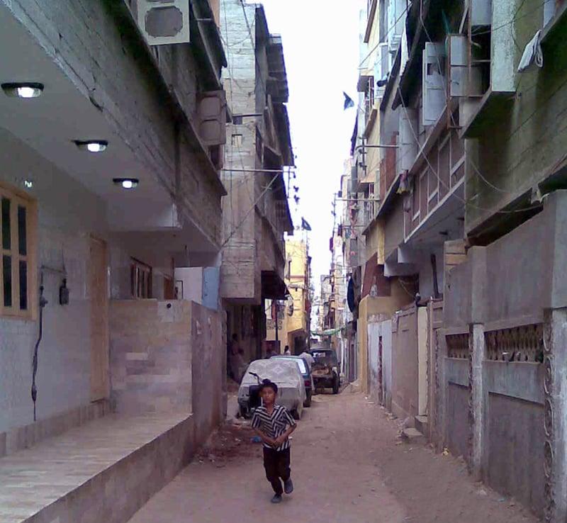 لیاقت آباد کی ایک گلی
