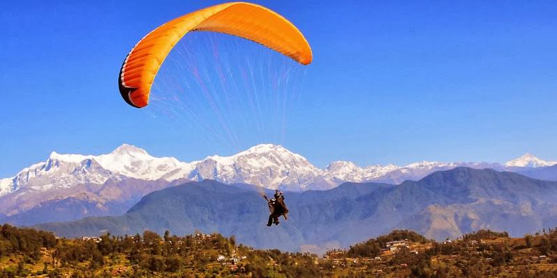 Paragliding in Pir Chinasi