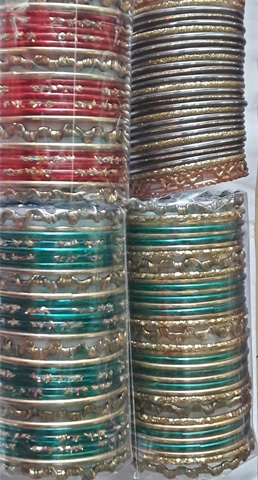 Ready-to-wear bangle sets made by combining contrasting hues