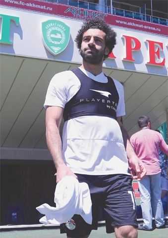 MOHAMED Salah arrives to take part in a training session at the Akhmat Arena stadium on Wednesday.—AFP