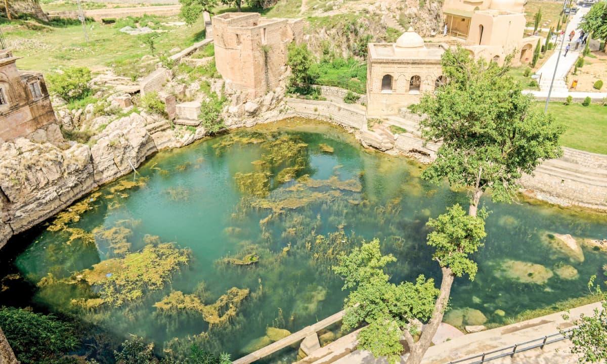 The Hindu temple of Katas Raj in Kahoon Valley, Punjab | Photos by Murtaza Ali, White Star