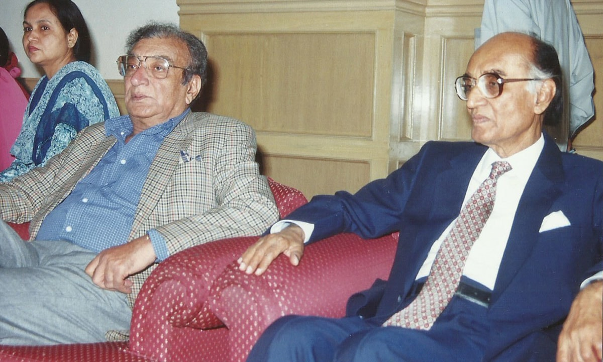 Ahmed Faraz with Mushtaq Ahmad Yusufi | Courtesy Ali Raj