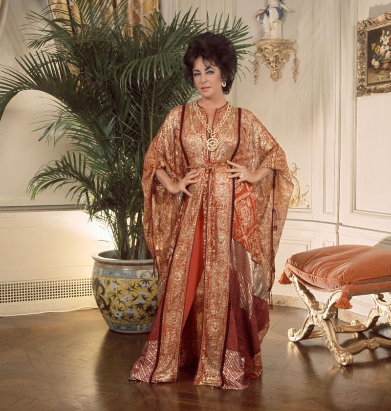 Elizabeth Taylor rocked a kaftan before it became cool