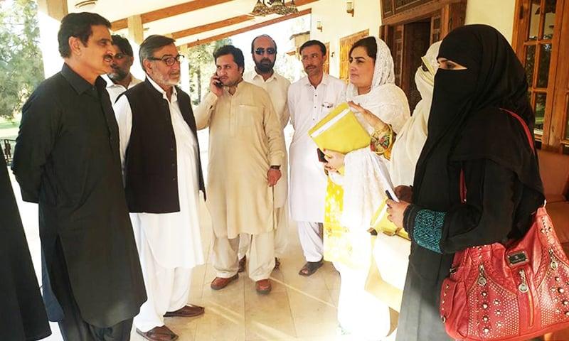 حمیدہ شاہد حلقہ پی کے 10 میں اپنی انتخابی مہم جاری رکھے ہوئے ہیں۔