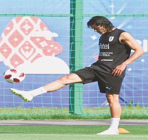 NIZHNY NOVGOROD: Uruguay's striker Edinson Cavani attends a training session at the Sports Centre Borsky on Thursday.—AFP