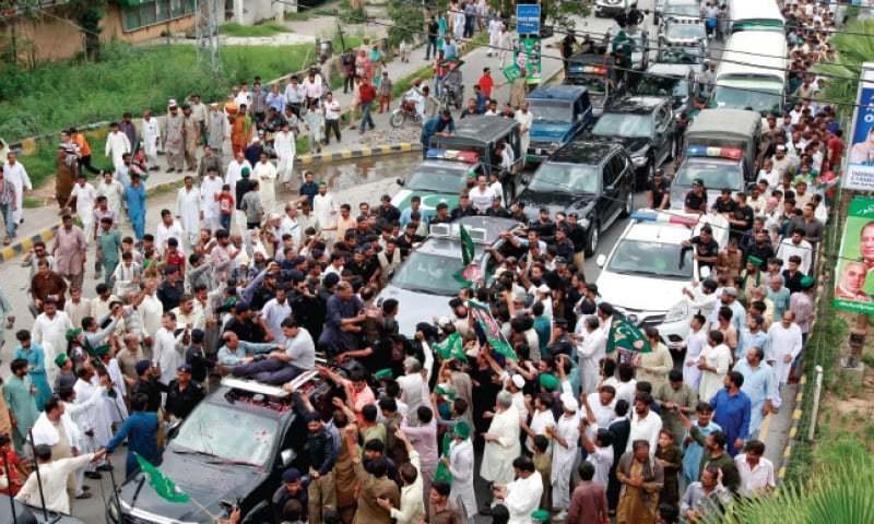 Workers want Nawaz to return soon