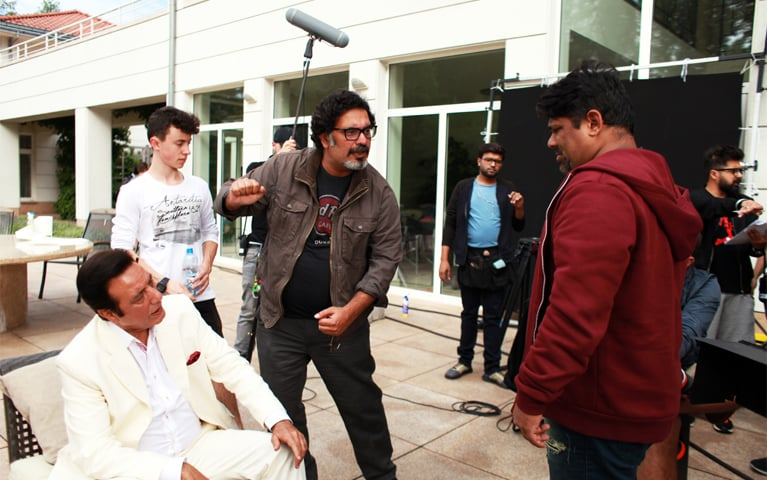 Ahsan Rahim (R) directs Jawed Sheikh on the set of Teefa In Trouble - Photo courtesy: Lightingale Productions
