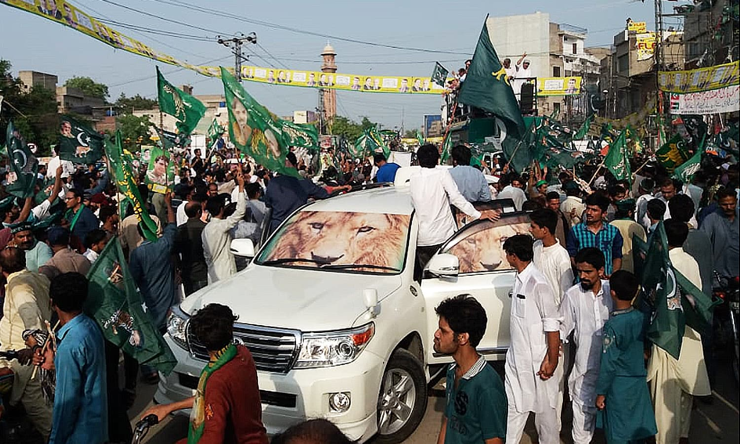PML-N supporters rally in Lahore. ─ Photo courtesy Sarah Eleazar
