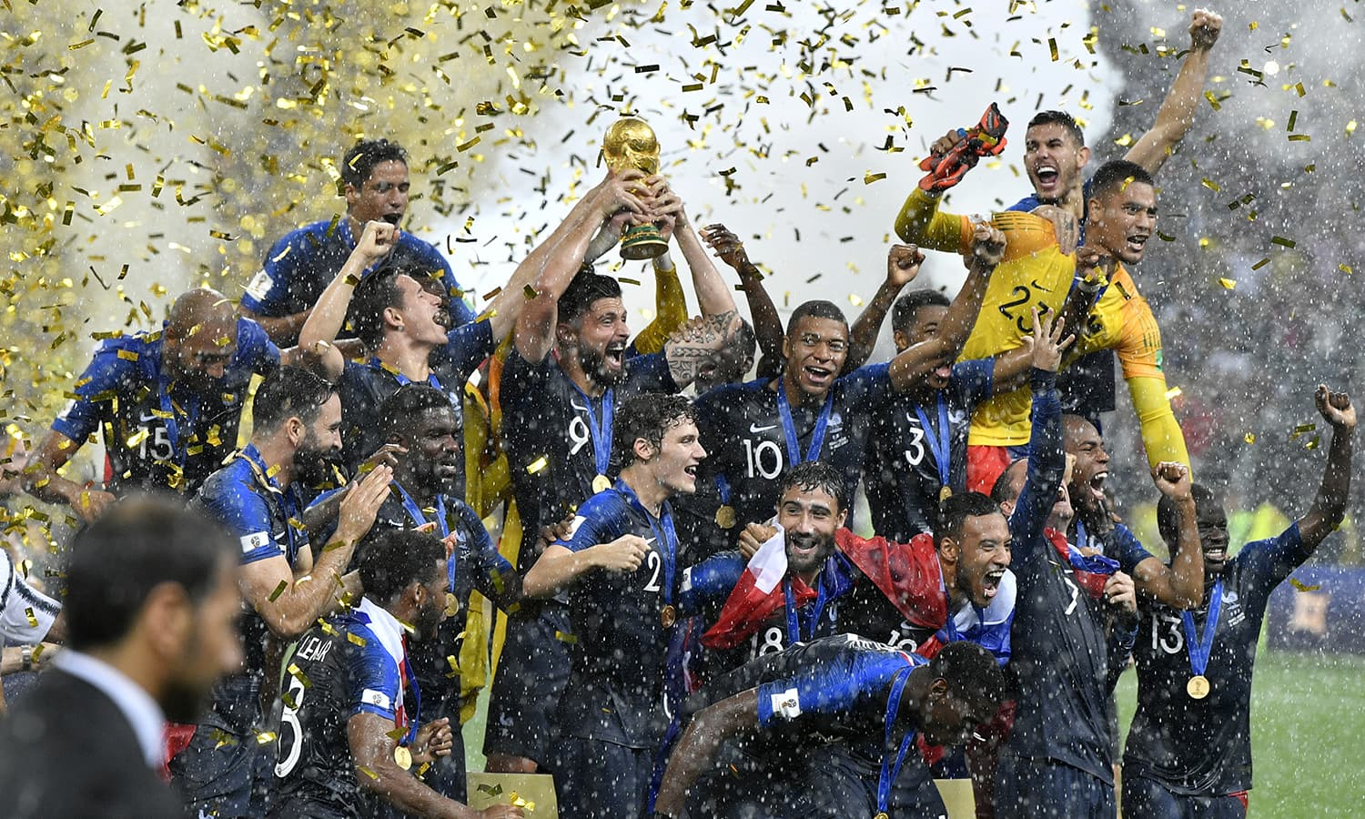 France's Olivier Giroud lifts the trophy after France won 4-2 during the final match between France and Croatia. — AP