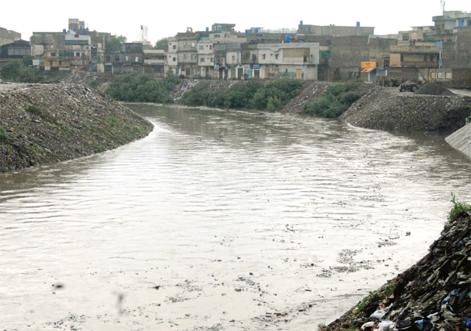 Heavy rainfall exposes poor sewerage system in Rawalpindi
