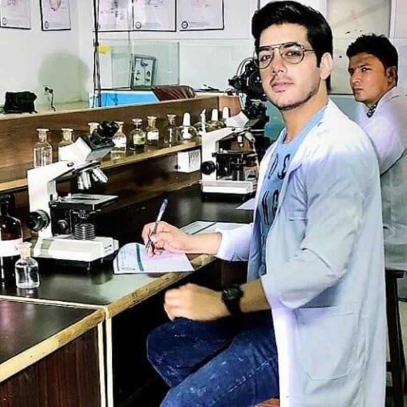 Can Dr. Fahad dethrone Dr. Afsandyar from Yakeen Ka Safar?