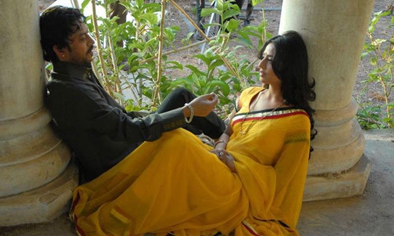 دوسری فلم میں وہ صاحب کی بیوی بن کر عرفاں خان سے پیار کرتی دکھائی دی تھیں—اسکرین شاٹ