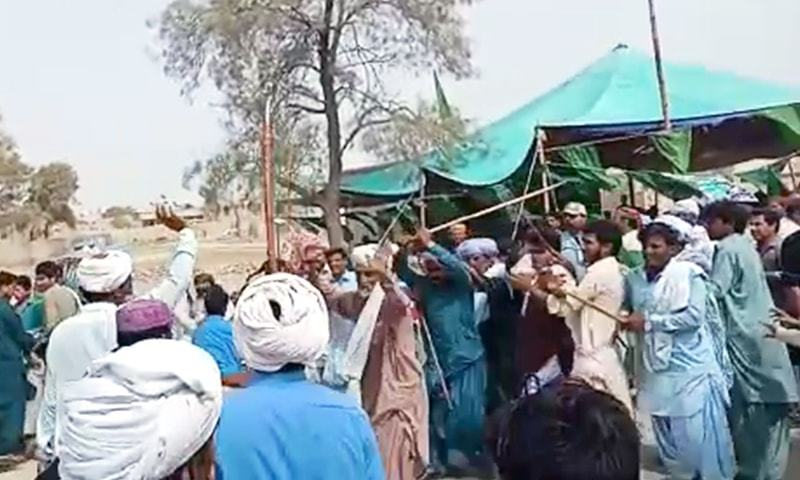 Clashes, violence mar polling in various constituencies; at least 2 killed