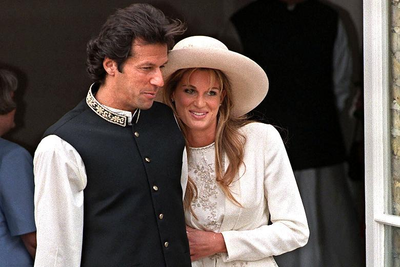 Imran and Jemima on their wedding day. —AFP/File
