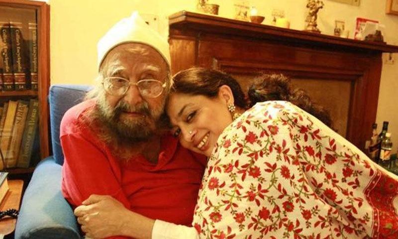 نئی دہلی کی سماجی کارکن اور لکھاری سعدیہ دہلوی اور خشونت سنگھ—فوٹو: دہلی والا ڈاٹ کام