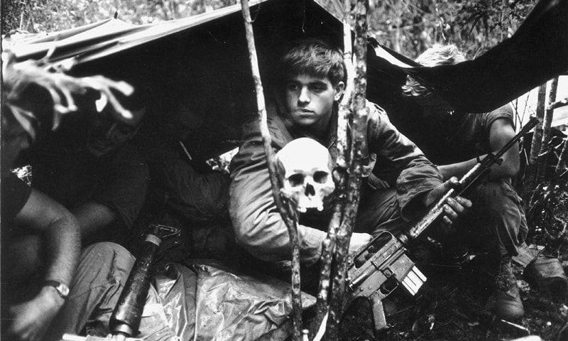 American soldiers encamped in the Vietnamese jungle | History Key US