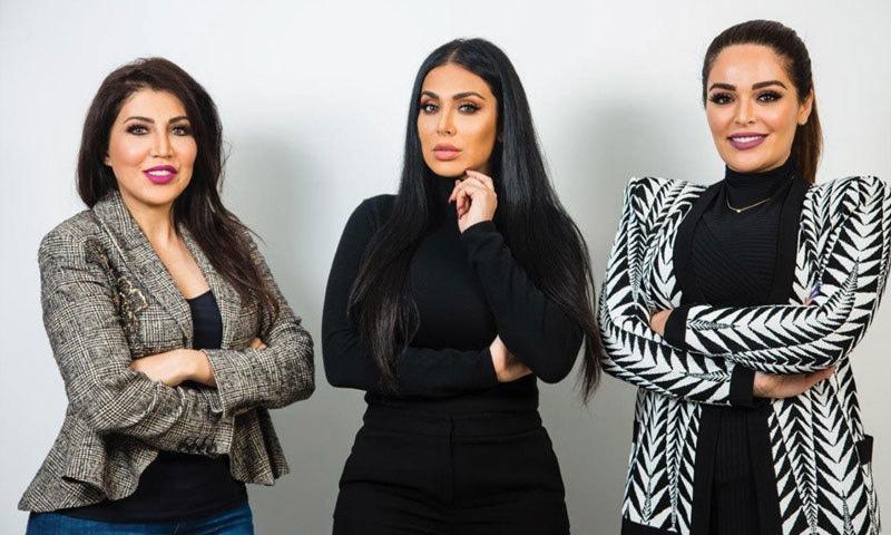 ہدیٰ کی دونوں بہنیں عالیہ اور مونا بھی ان کے ساتھ کام کرتی ہیں—فوٹو: عرب بزنس