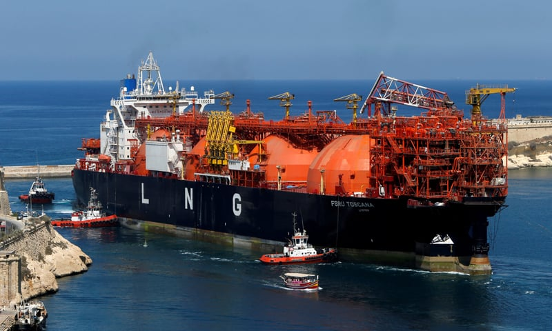 an offshore LNG regasification terminal, the FSRU Toscana, is towed into Valletta's Grand Harbour.—Reuters file photo