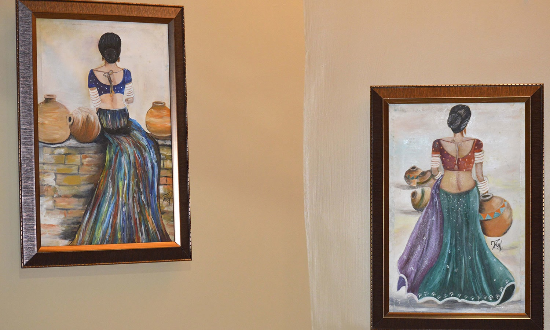 کچھ خواتین آرٹسٹوں نے روایات سے ہٹ کر فن پارے بنائے تھے