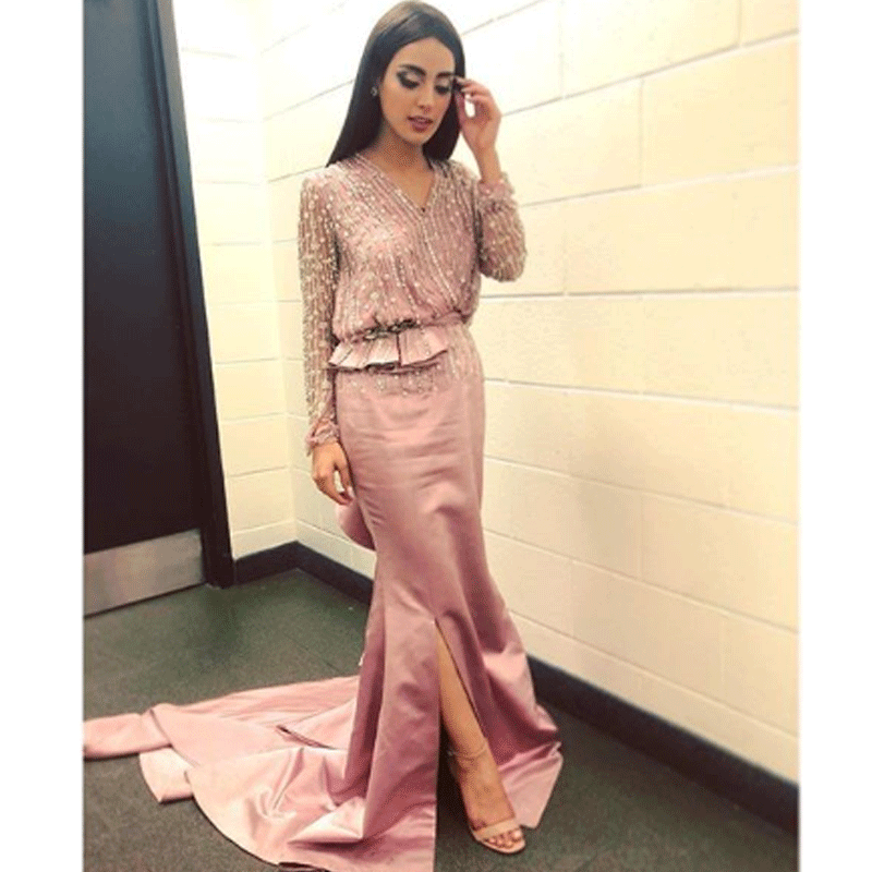 Iqra at the Hum Awards.
