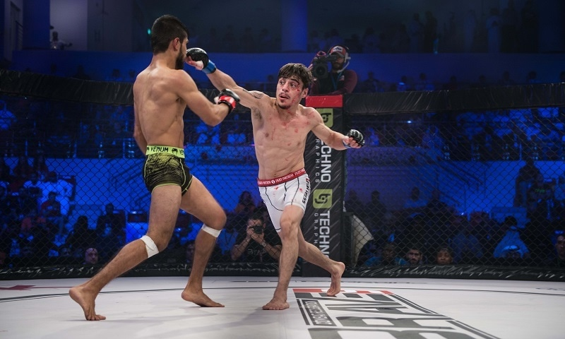 Pakistan's Haider throws a straight right at India's Atif at Brave CF 9 held in Nov 2017 —Brave Combat Federation