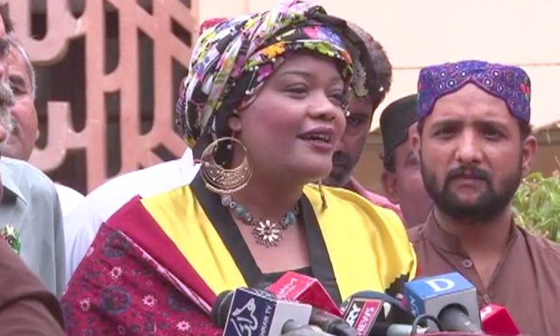 Tanzeela Qambrani, the first Sindhi Sheedi woman to become an MPA, arrives to take oath. — DawnNewsTV