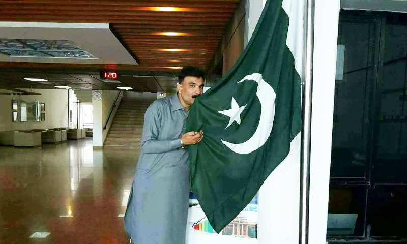 پشاور سے تعلق رکھنے والے ہارون دیال ہر سال جشنِ آزادی جوش و خروش سے مناتے ہیں۔