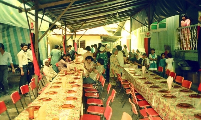 A scene from a wedding celebration in the kampong (rural housing) in the late 1980s. Pakistani families lived alongside and interacted with neighbours from various ethnic groups resulting intheir acculturation to their host society.—Photo by author