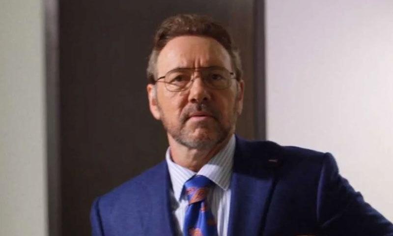 کیون اسپیسی نے فلم میں مختصر کردار ادا کی ہےا—اسکرین شاٹ