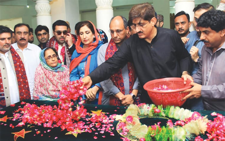 Murad hails PM's vow to bring back public money stashed in foreign bank accounts