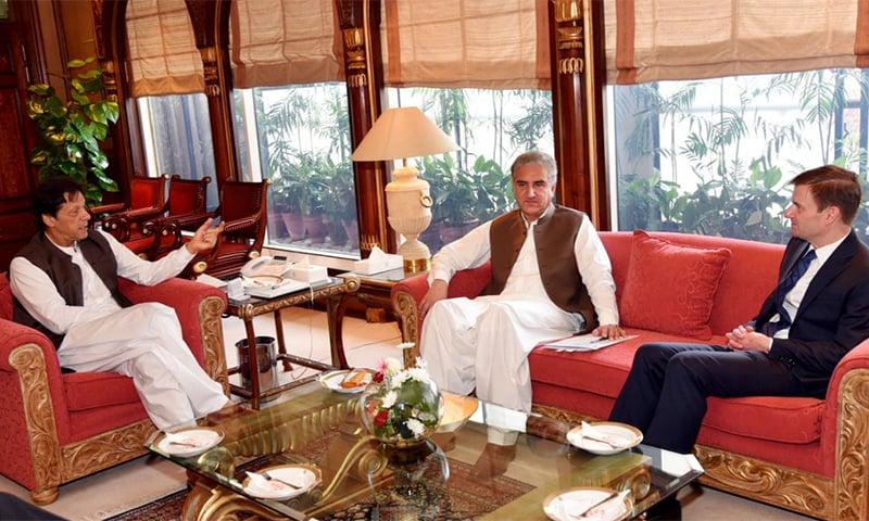 Prime Minister Imran Khan and Foreign Minister Shah Mahmood Qureshi meet outgoing US Ambassador David Hale. ─ Photo courtesy Radio Pakistan