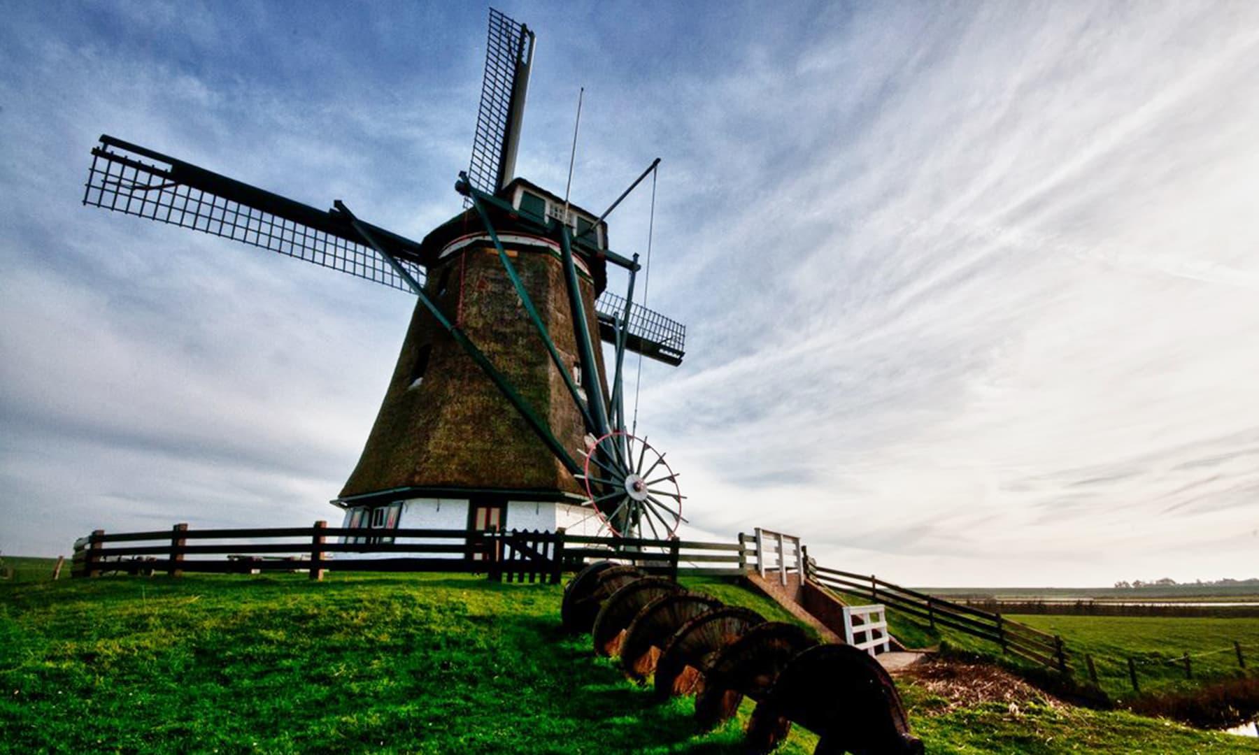 ہالینڈ میں ایک ہزار سے زائد پن چکیاں ابھی تک موجود ہیں