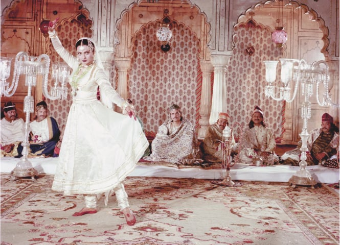 Umrao Jaan by Muzaffar Ali featuring Rekha in some exciting mujras