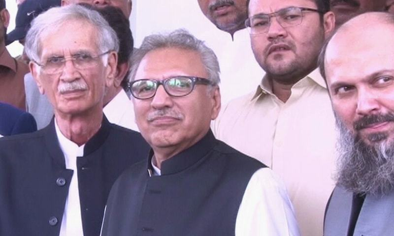 Arif Alvi pictured during the press conference held at the CM House following the meeting between PTI leadership and BAP, HDP, JWP leaders. —DawnNewsTV