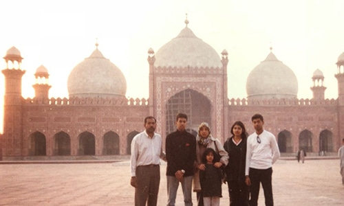 The same family visiting Pakistan in the 1990s.—Photo courtesy Nasyirah Parveen