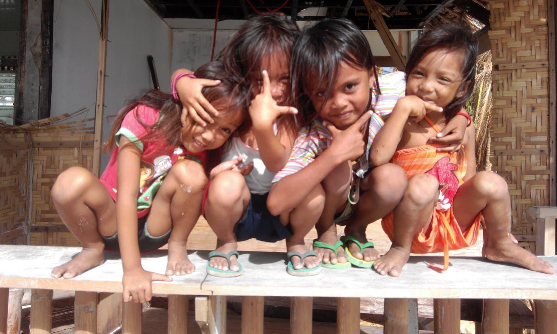 مالا پاسکوا میں بچوں کے چہروں پر حقیقی خوشی دیکھی—تصویر عظمت اکبر