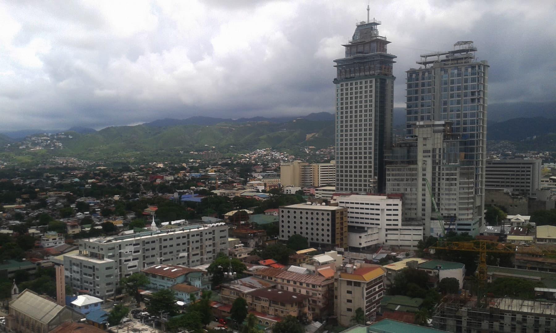 سیبو شہر کا نظارہ—تصویر عظمت اکبر