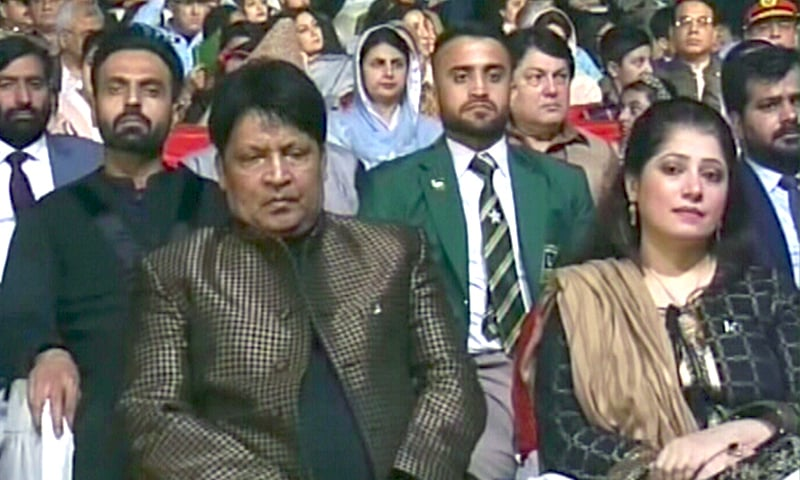 Comedian Umar Sharif in attendance at the Defence Day ceremony.