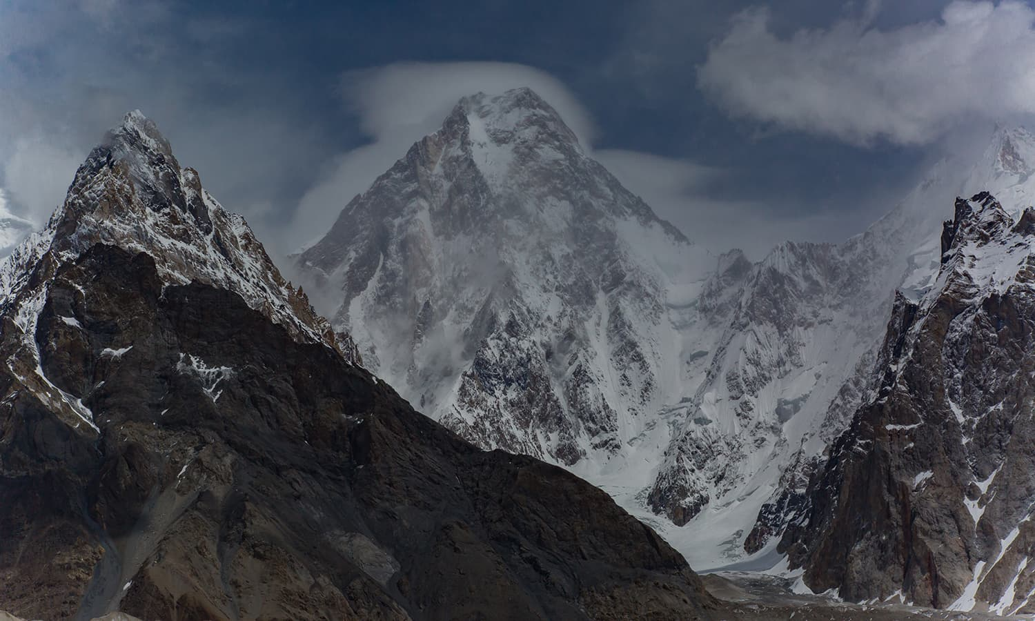 Worlds 17th highest mountain, Gasherbrum-4 or G4 (7,932m)..