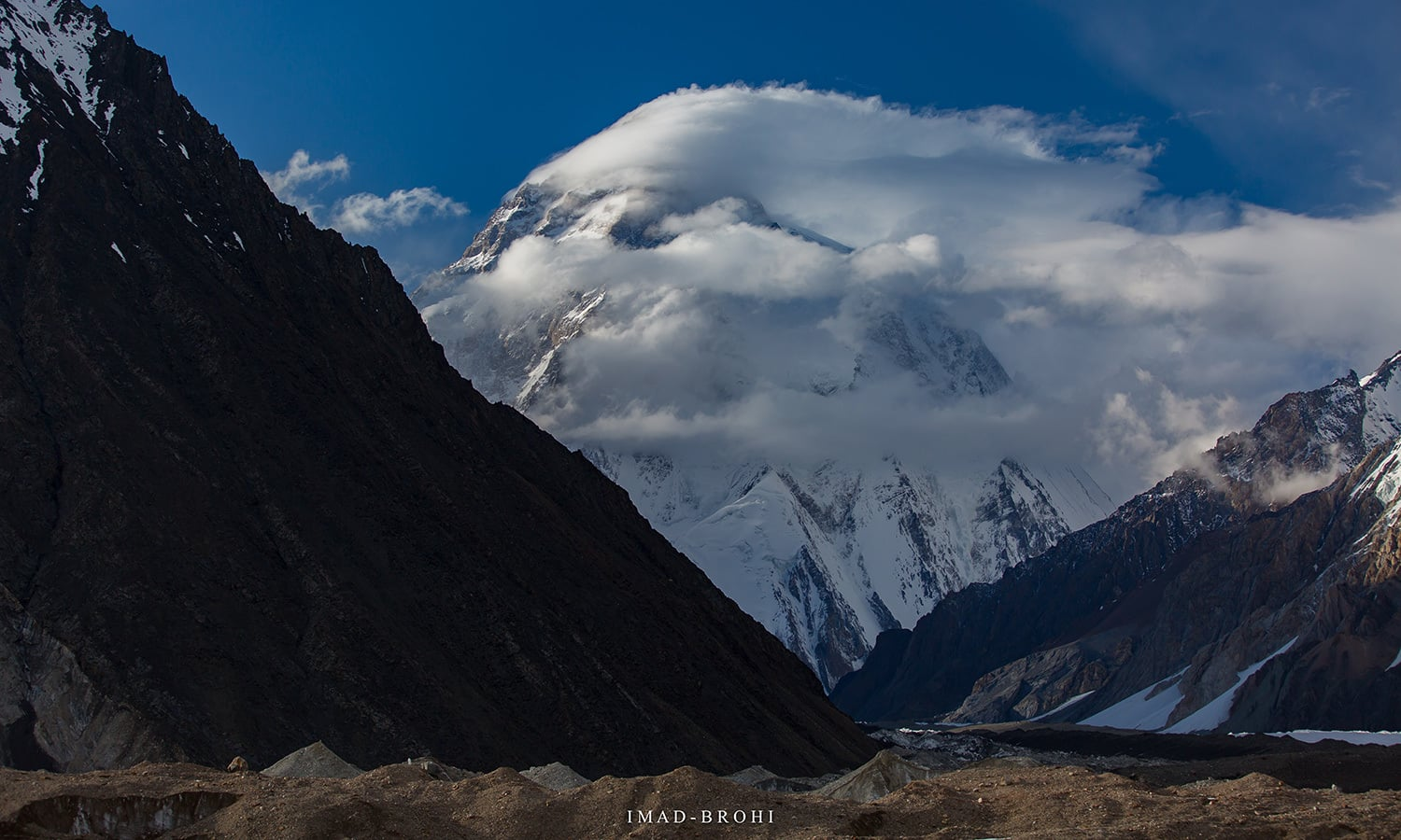 Heavy winds blow on K2.