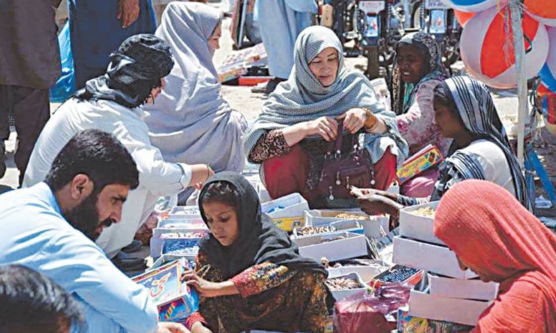 Women shopping for Eid amidst tight security in Quetta