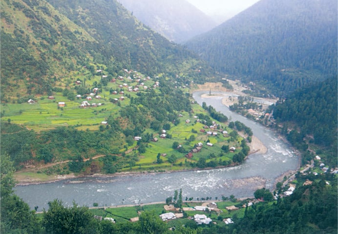 Whose side are you on: a view of Keran in Neelum Valley, with 'Azad' Kashmir on the right and India-held Kashmir on the left, and the Neelum river in between acting as a natural 'border' between the two regions | Photo from the book