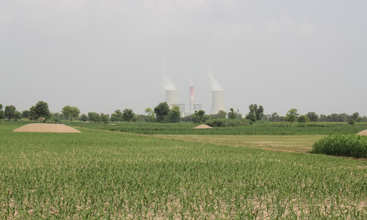 A view of the coal power plant in Sahiwal | Photos by Amel Ghani