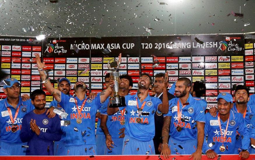 بھارت نے بنگلہ دیش کو 8 وکٹوں کے مارجن سے شکست دے کر ایشیا کپ 2016ء جیتا — فوٹو ایشیئن کرکٹ کونسل