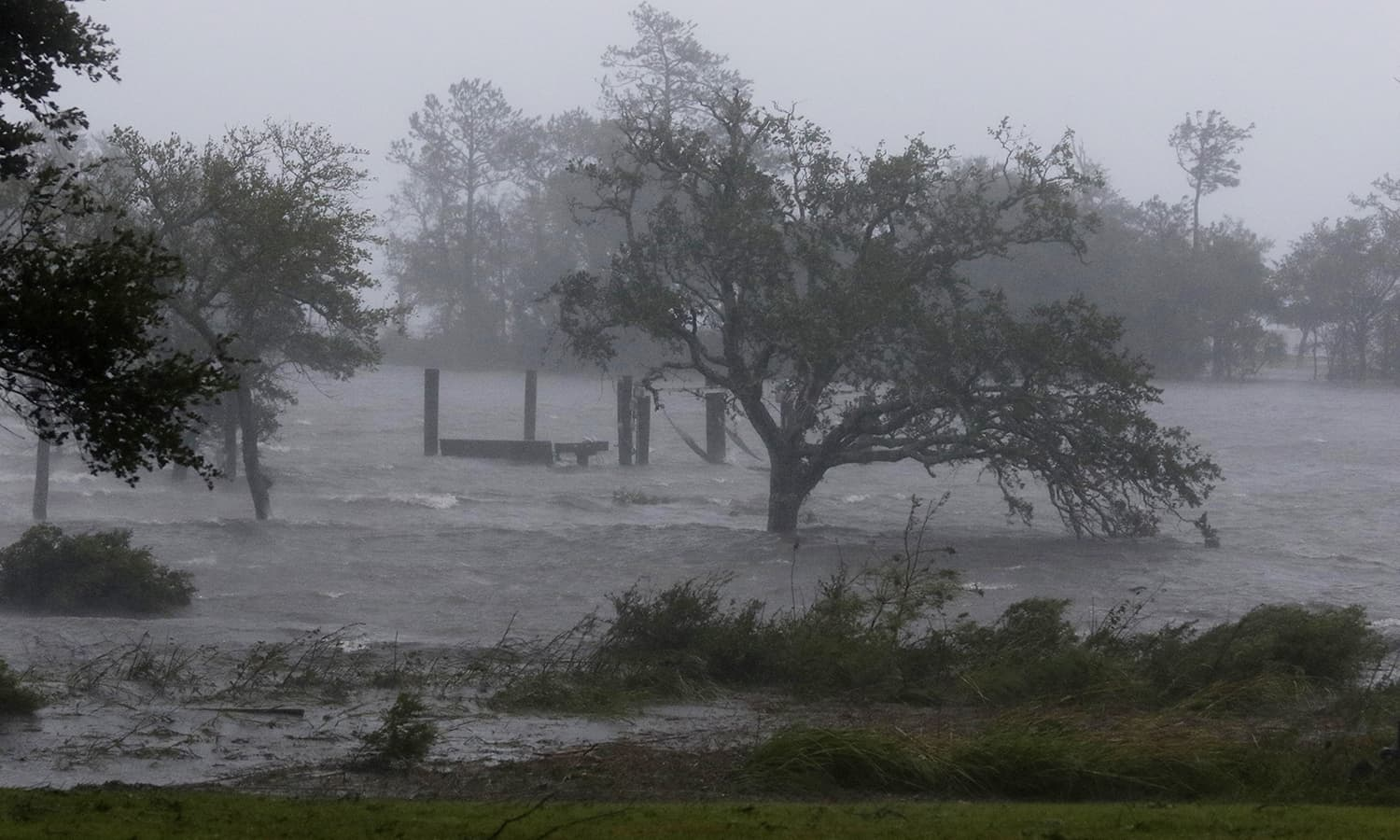 High winds and storm surge from Hurricane Florence hits Swansboro N.C. —AP