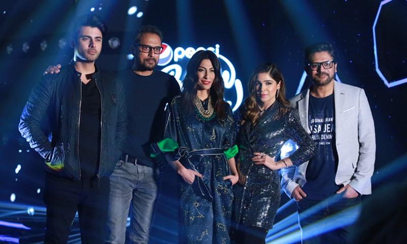 Judges Fawad Khan, Bilal Maqsood, Meesha Shafi, Ayesha Omer (host) and Faisal Kapadia