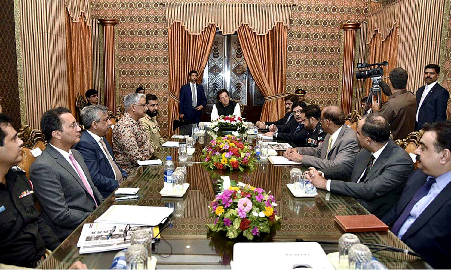 Prime Minister Imran Khan chairs meeting on law & order at State Guest House. —APP
